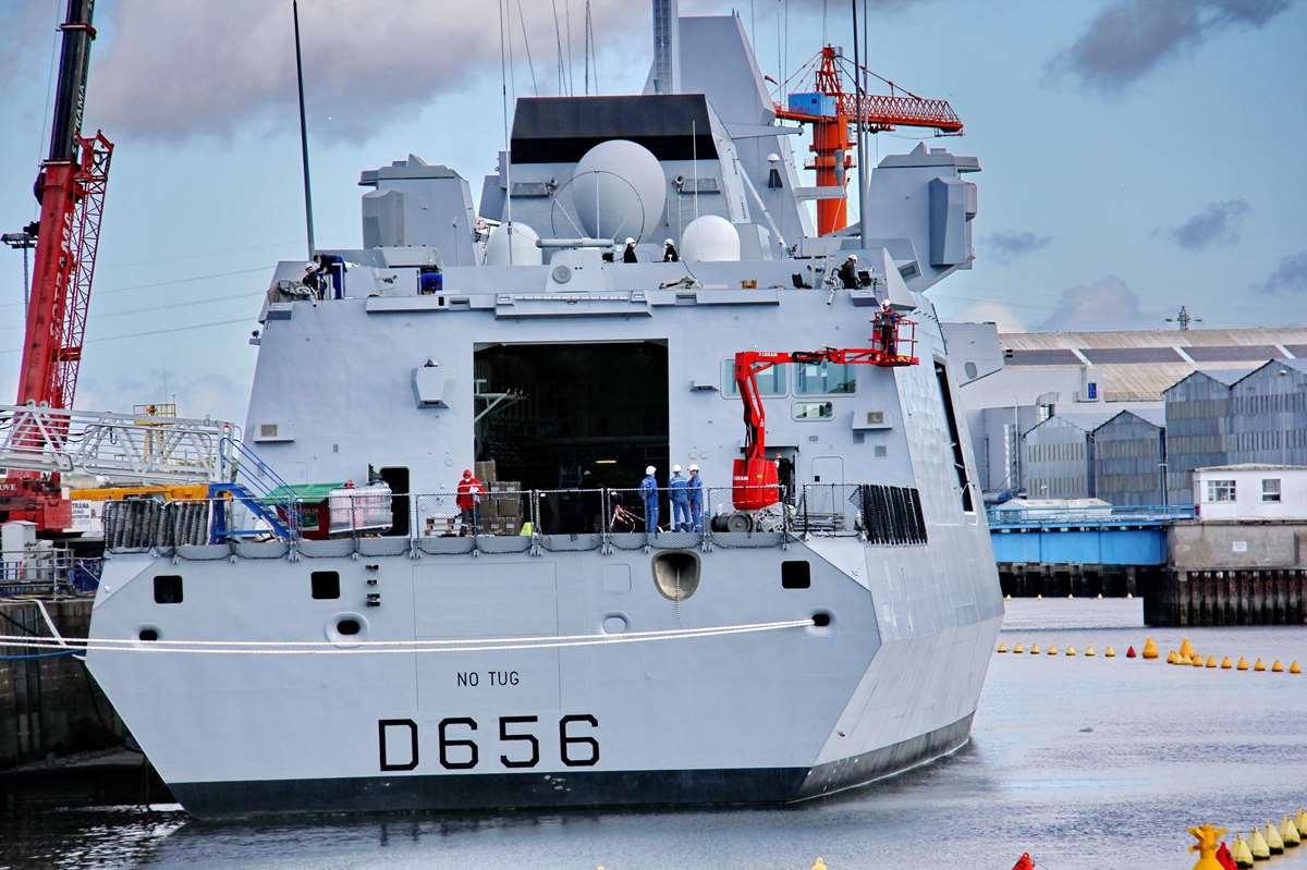 [Les ports militaires de métropole] Port de LORIENT - TOME 1 - Page 23 Img_7912