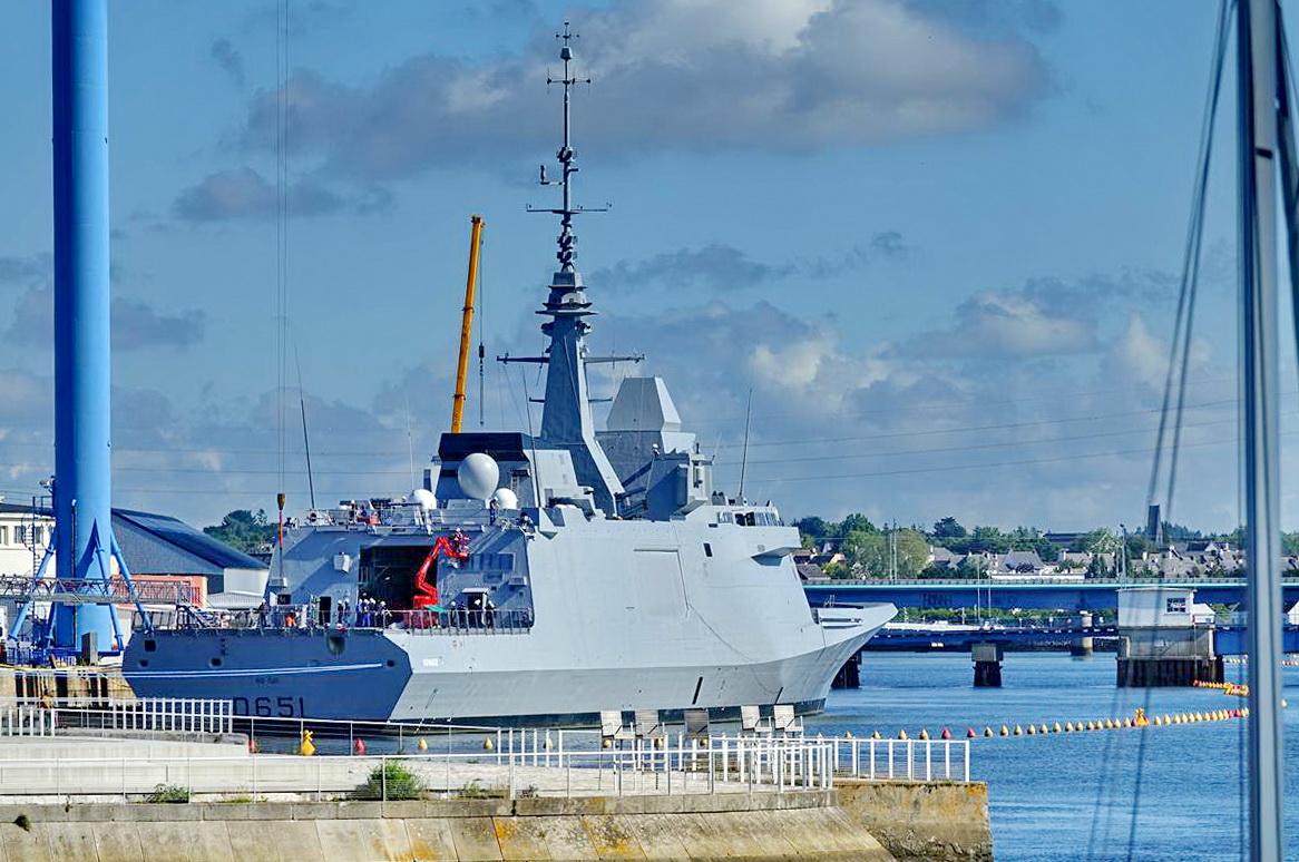 [Les ports militaires de métropole] Port de LORIENT - Page 7 Lorien20