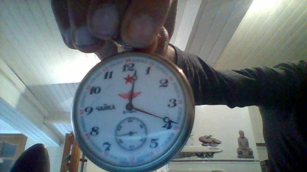 montre a gousset molnija 18 rubis locomotive sur le dos  Win_2010