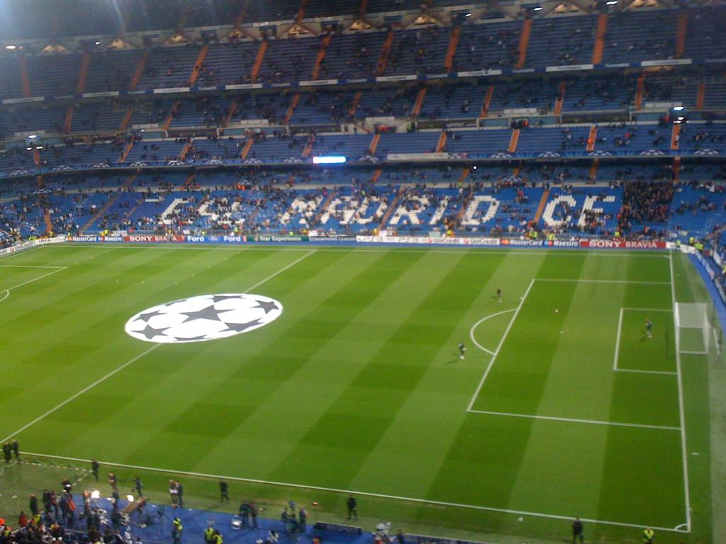 INTERCAMBIO ABONOS REAL MADRID EN OFICINAS CLUB 948ef210