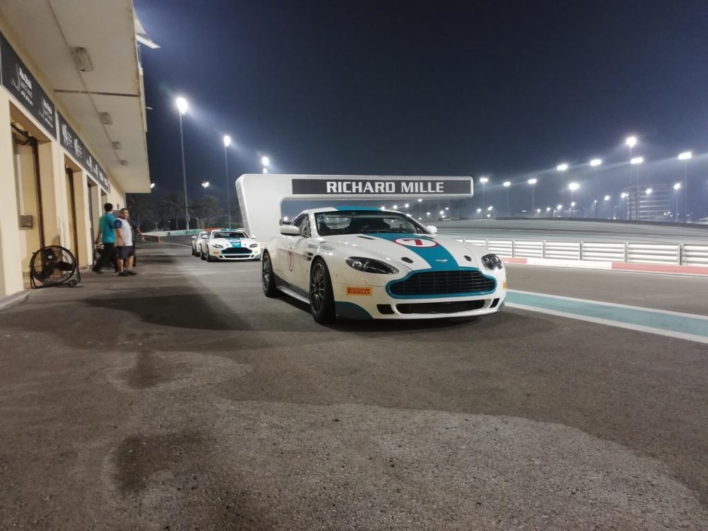 Ahhh Aston Martin...Le post officiel des Astons - Page 2 Img_2015