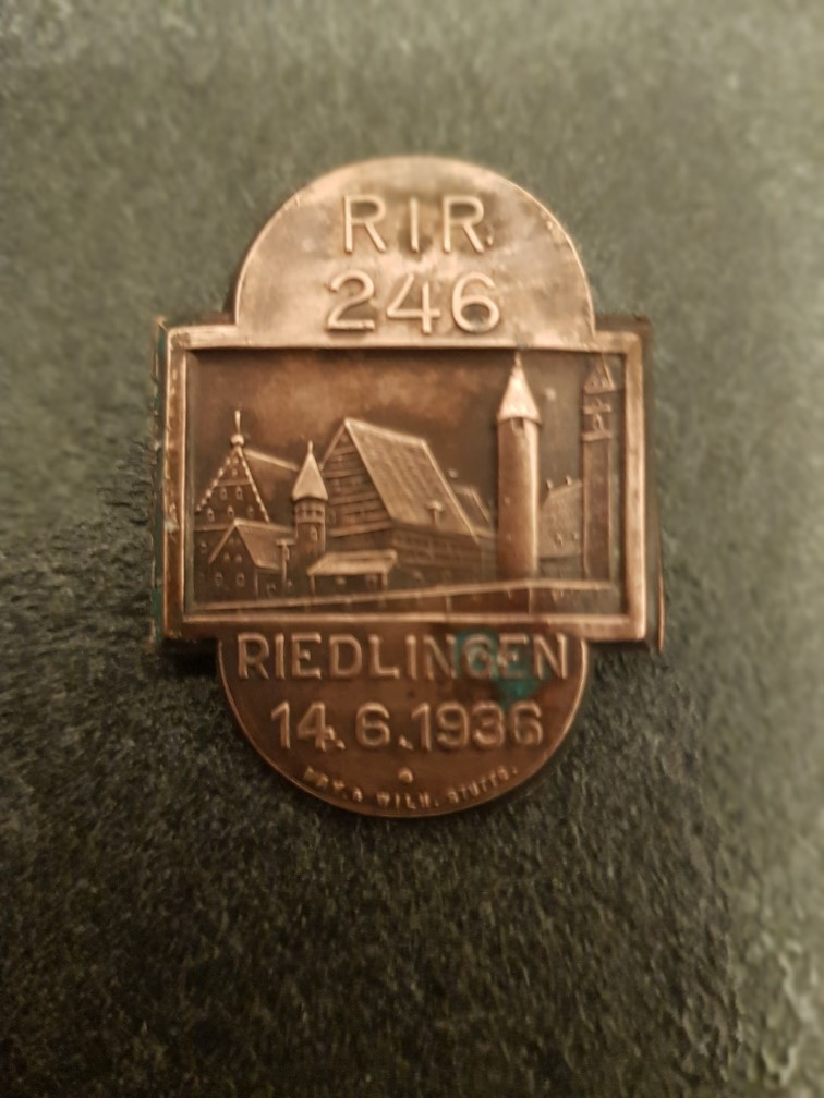 Médailles pour authetification et estimation de valeur 311