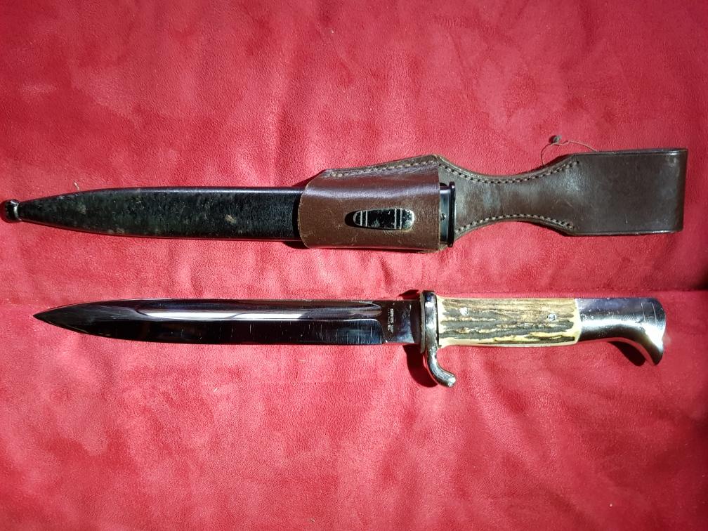 Dagues couteaux à exptertiser Resize16