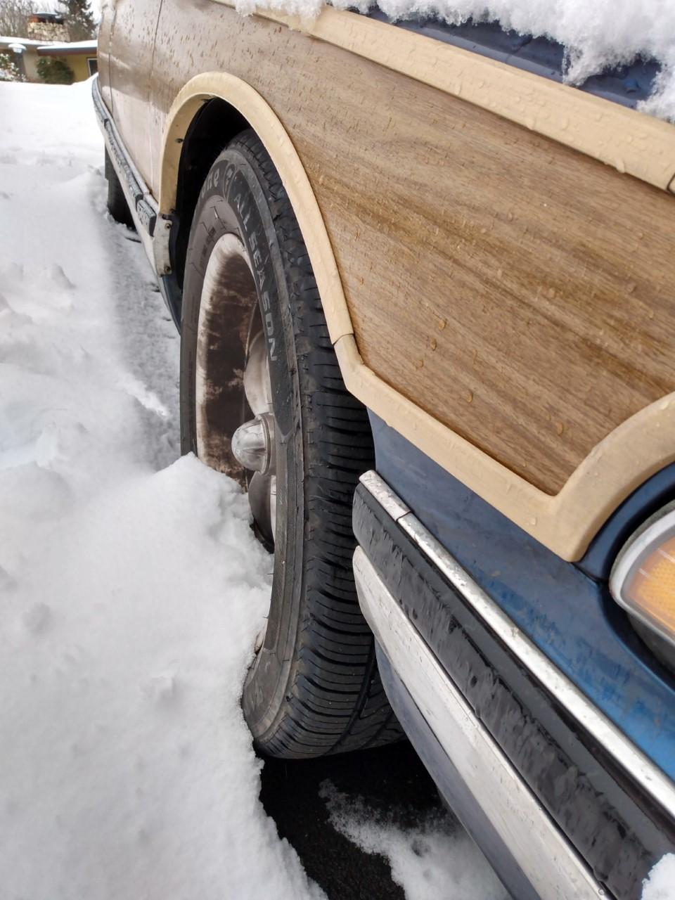 Tire Rubbing 210