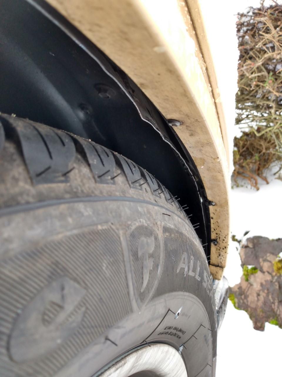 Tire Rubbing 410