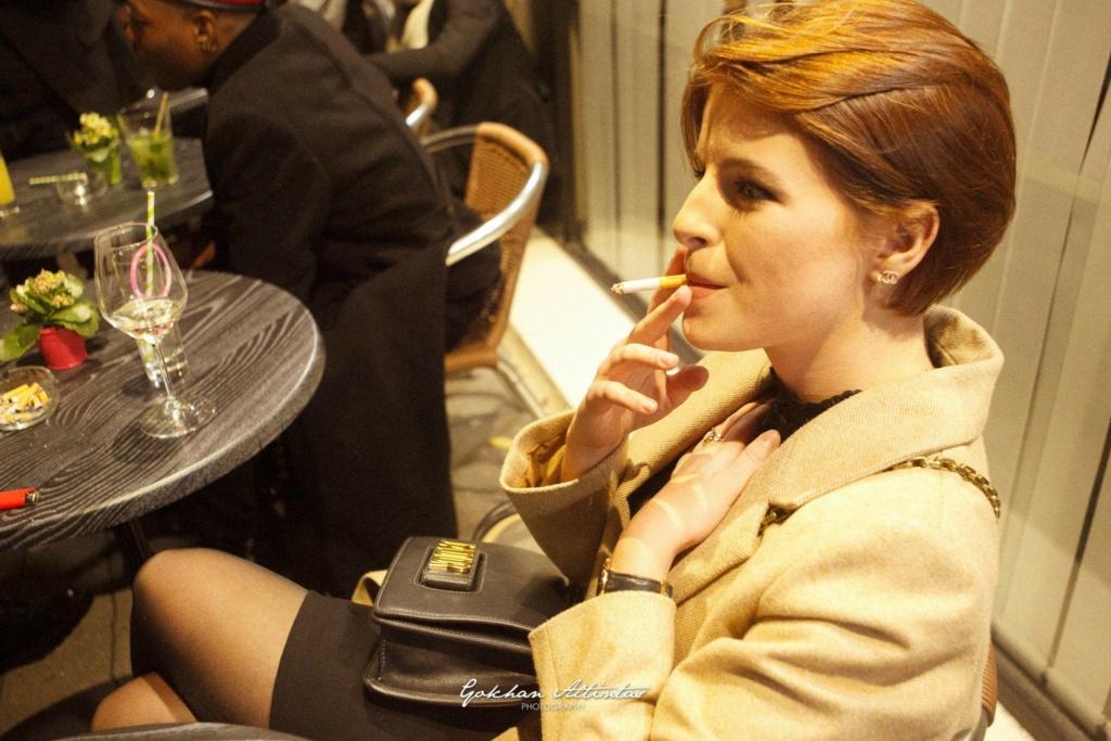 La cigarette dans PBLV Enola_10