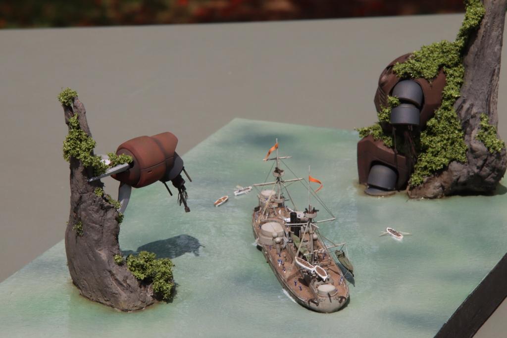 "Diorama ""rétro science-fiction"" au 1/700 Img_1217"