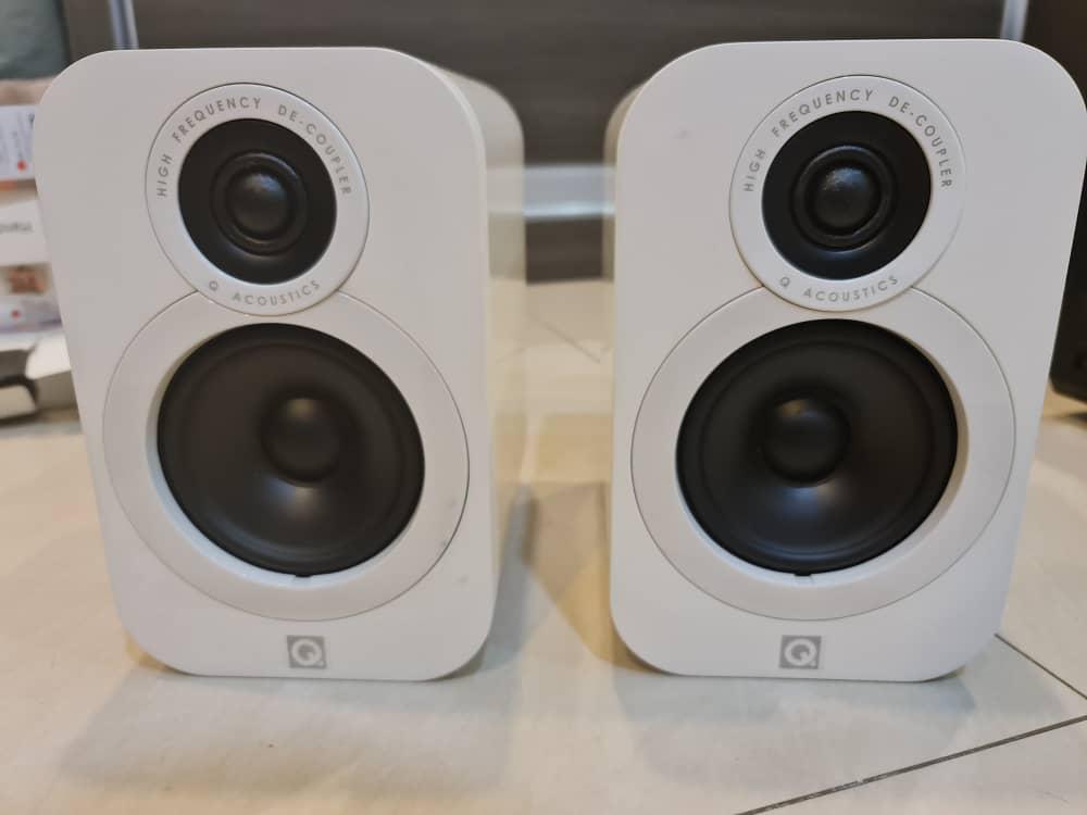 SOLD Q acoustic 3010i bookshelf speaker white (USED) Whatsa16