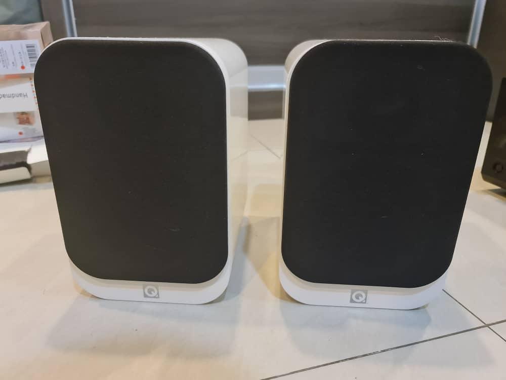 SOLD Q acoustic 3010i bookshelf speaker white (USED) Whatsa17