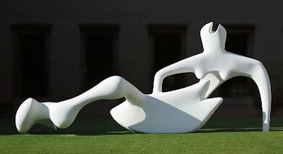 """Figura reclinada"".  Henry Moore Moore210"