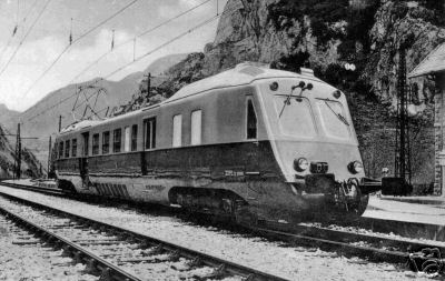 Documentation graphique des automotrices Z-4400 ou Z-4100 de la ligne Pau-Canfranc Amphib10