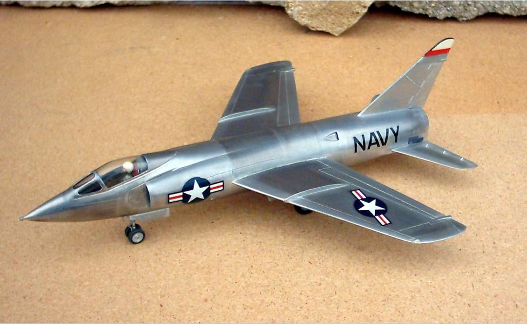 Grumman F9F-9 (F11F) Tiger, Lindberg 1/48, 1955 Grumma12