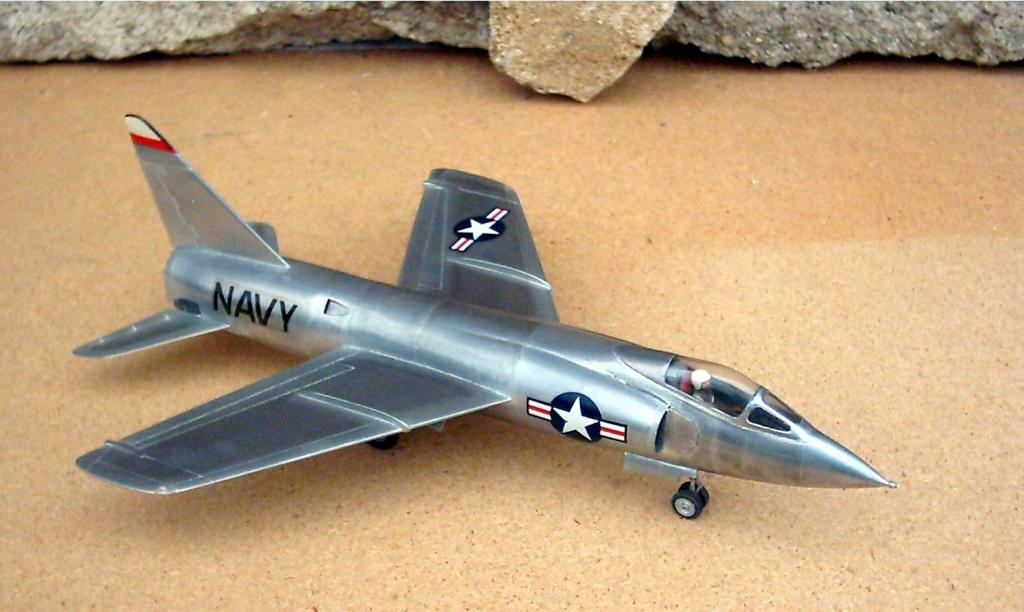 Grumman F9F-9 (F11F) Tiger, Lindberg 1/48, 1955 Grumma13
