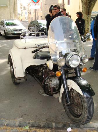 Le musée de la moto de mon village ... 41912210