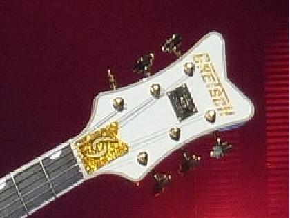 Gretsch  White Falcon avec 69 gravé sur le manche ... 69_fal10