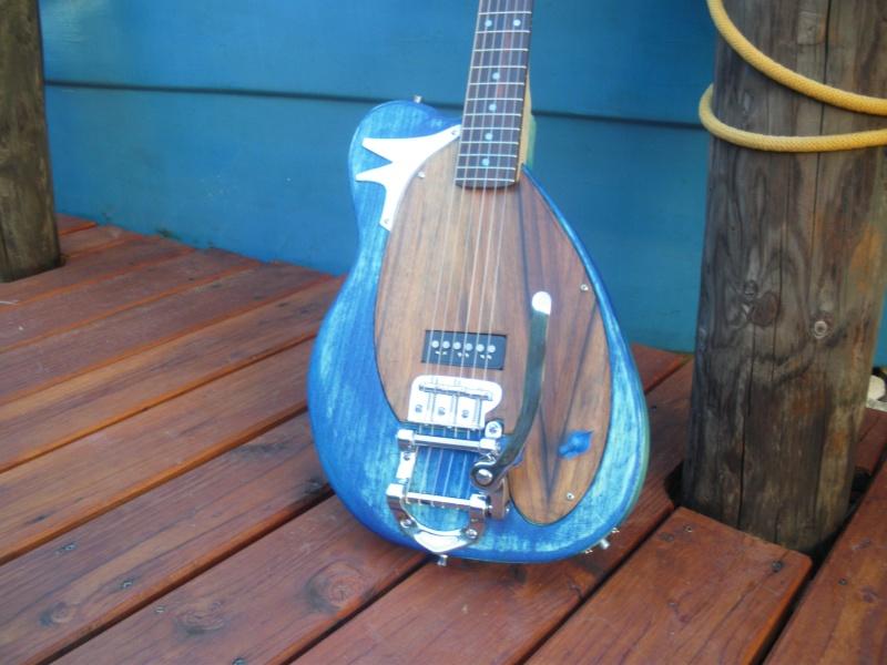 ......Ma première guitare Mister M...hum hum..... Imgp0213
