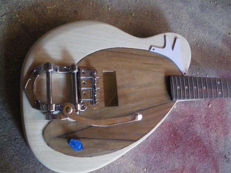 ......Ma première guitare Mister M...hum hum..... M10