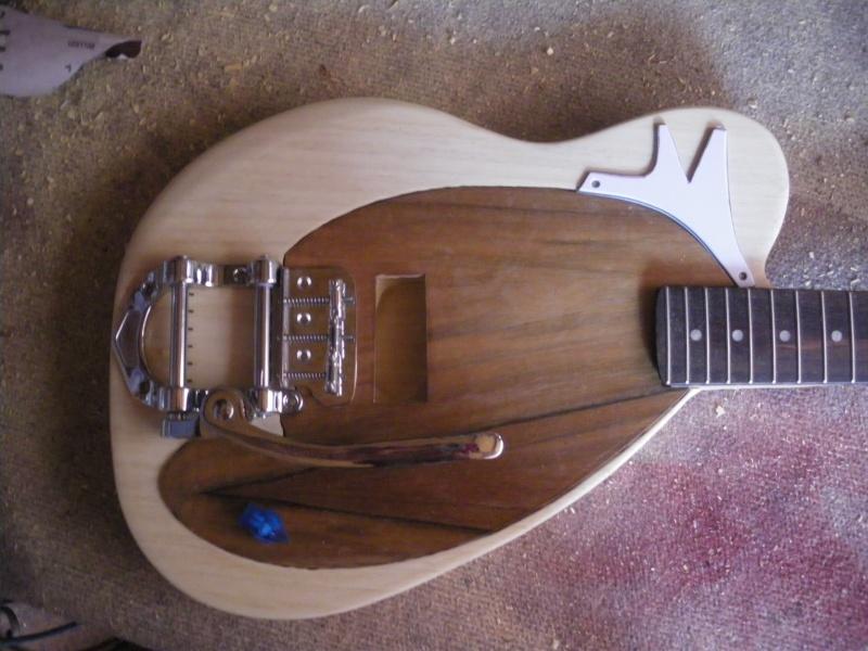......Ma première guitare Mister M...hum hum..... Mister12