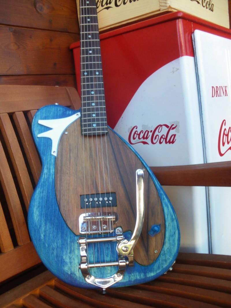 ......Ma première guitare Mister M...hum hum..... Mister13