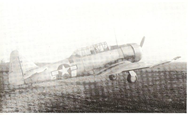 T6 avec les bandes 6 juin 1944 Marqua10