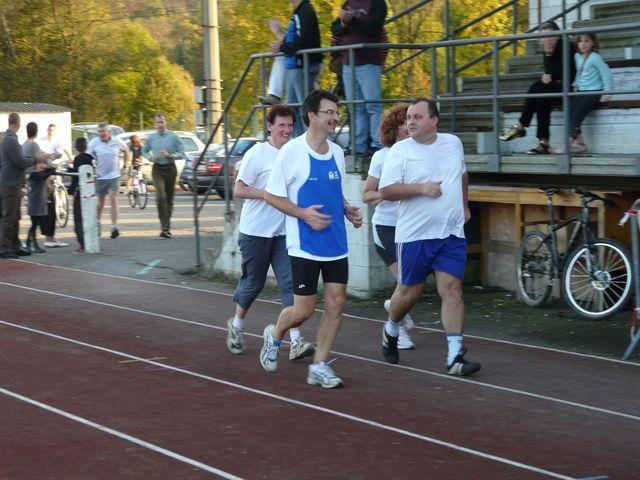 tentative record monde 1000 km du 8 au 12 octobre 2008 - Page 6 Caf_re71