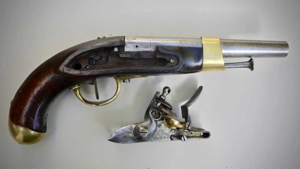 Paire de pistolets an 13 Tulle 1813 1ed45011