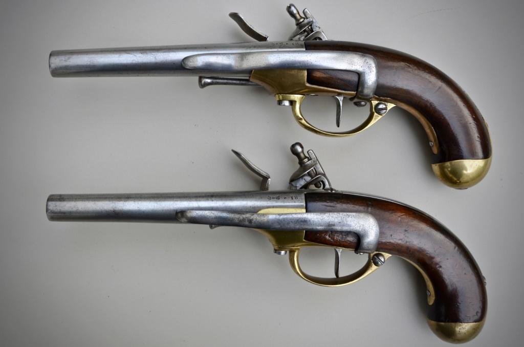 Une paire de pistolets 1777 3d8f9310