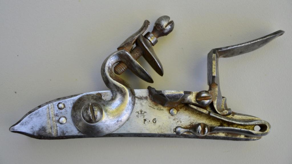 Une paire de pistolets 1777 - Page 2 Accaba10