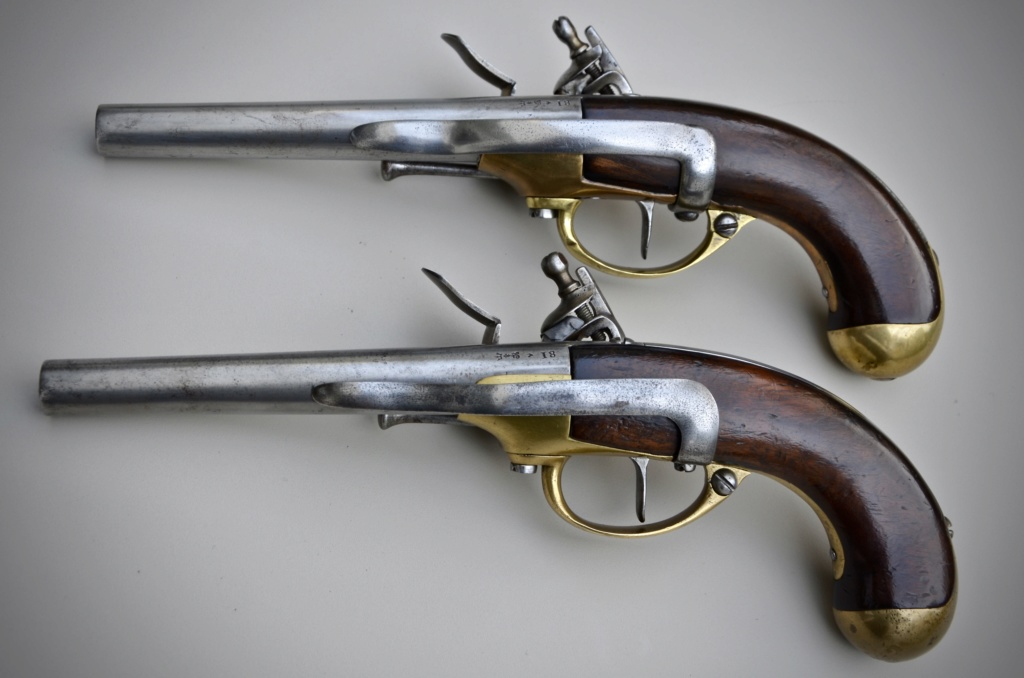 Une paire de pistolets 1777 Af553910