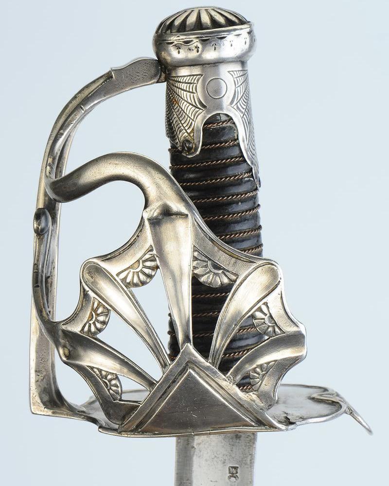 Comment fait on  la différence entre un sabre de la manu   de Pau et un vrai? - Page 2 Bb7ac510