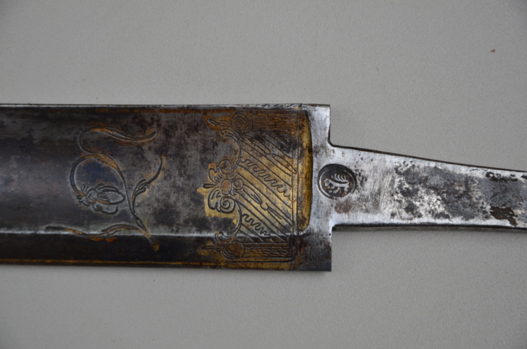 Identification d'une lame de sabre Dsc_8711