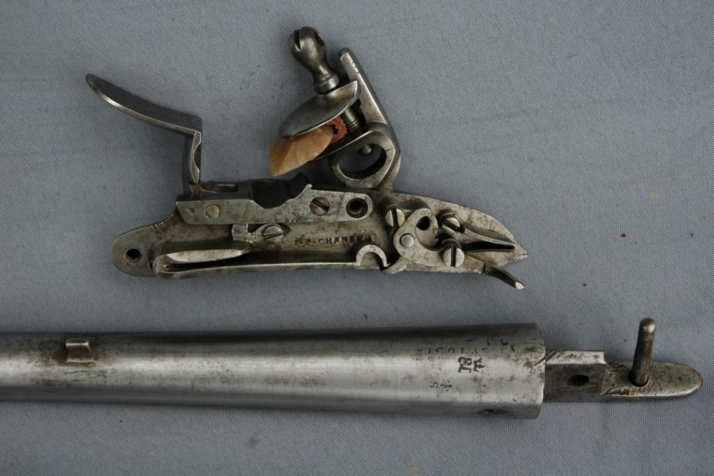 pistolet 1775 Pistol10
