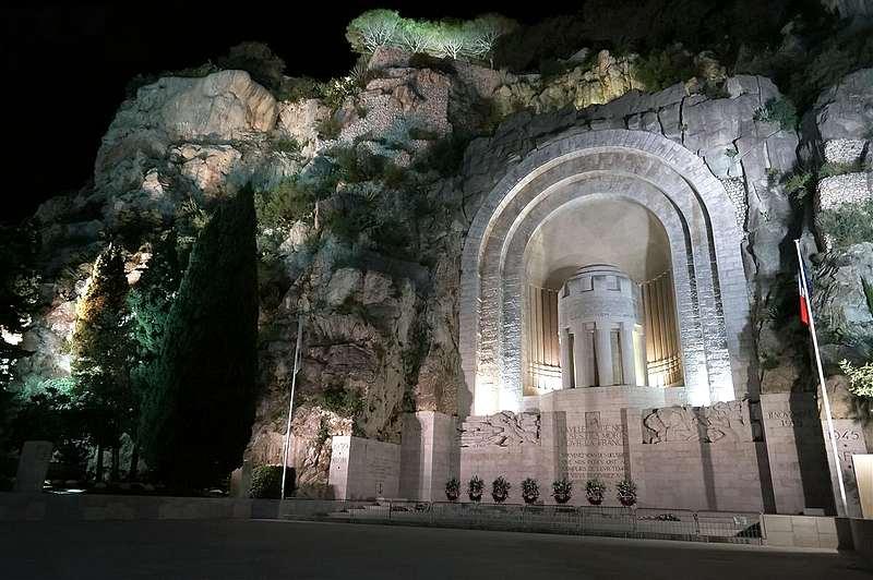 monument* - Les monuments aux morts que vous trouvez magnifiques ou atypiques 25949810