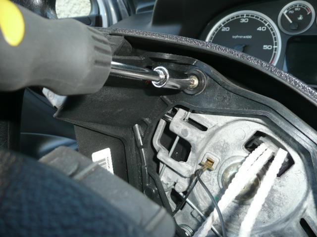 [ Peugeot 307 HDI 110 an 2002 ] fonctionnement aléatoire du klaxon (tuto) P1040819