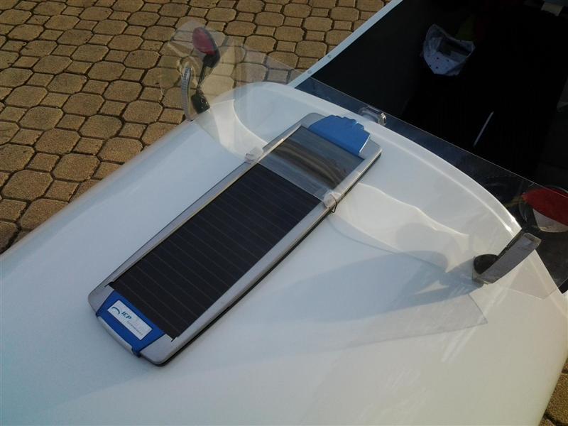 Une batterie pour l'eclairage, le telephone, le gps et co. 20131012