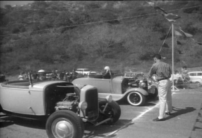 "Hot rod in street - Vintage pics - ""Photos rétros"" -  - Page 2 36210"