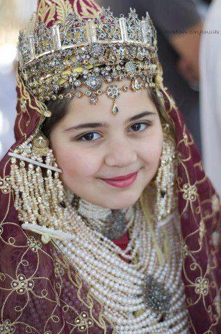 tamazighte est encore plus belle en costume Amazigh Costum15