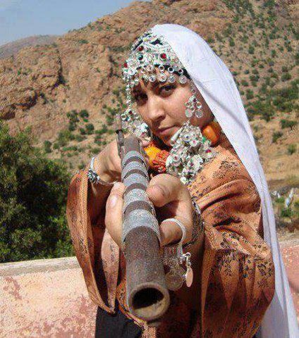 tamazighte est encore plus belle en costume Amazigh Costum17
