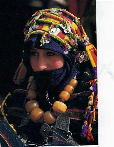 tamazighte est encore plus belle en costume Amazigh Costum18