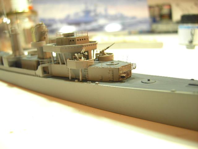 USS THE SULLIVANS 1/350 - Page 2 Pict8331