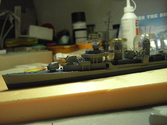 USS THE SULLIVANS 1/350 - Page 2 Pict8337