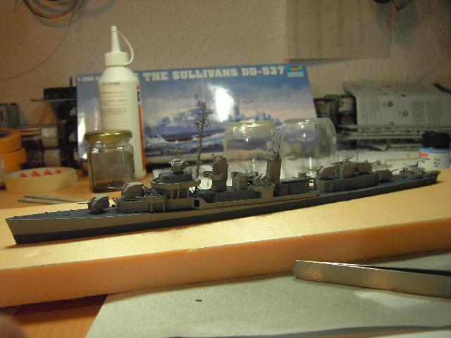 USS THE SULLIVANS 1/350 - Page 2 Pict8411