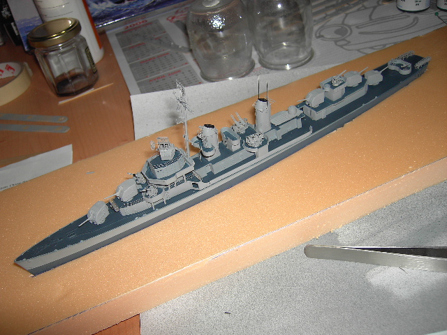USS THE SULLIVANS 1/350 - Page 2 Pict8412