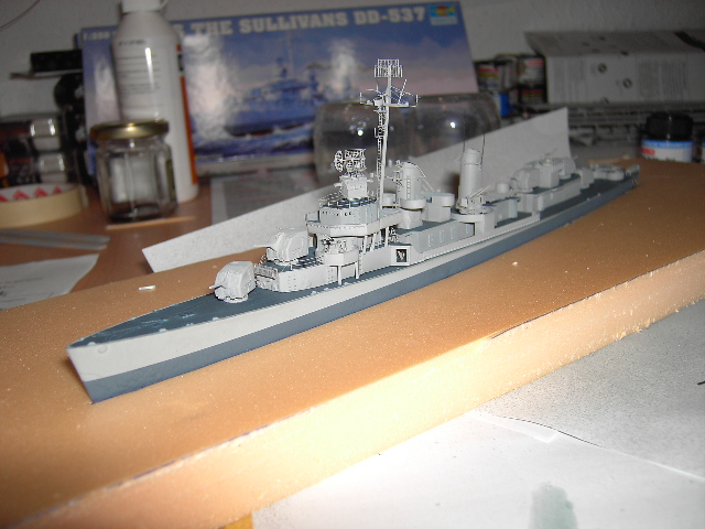 USS THE SULLIVANS 1/350 - Page 2 Pict8413