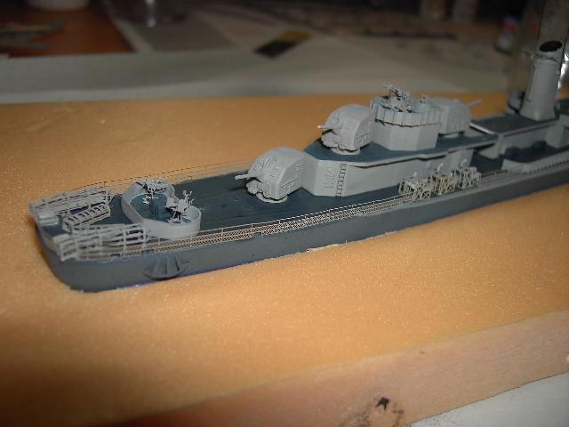 USS THE SULLIVANS 1/350 - Page 2 Pict8414