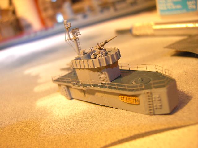 USS THE SULLIVANS 1/350 - Page 2 Pict8419