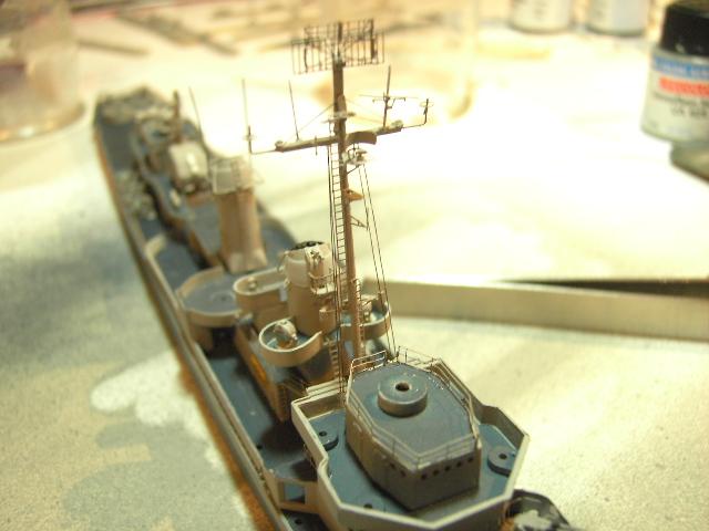 USS THE SULLIVANS 1/350 - Page 2 Pict8421