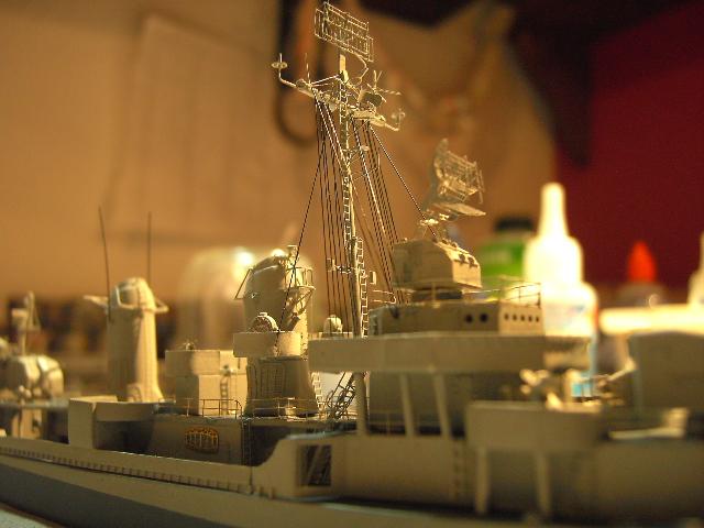 USS THE SULLIVANS 1/350 - Page 2 Pict8424