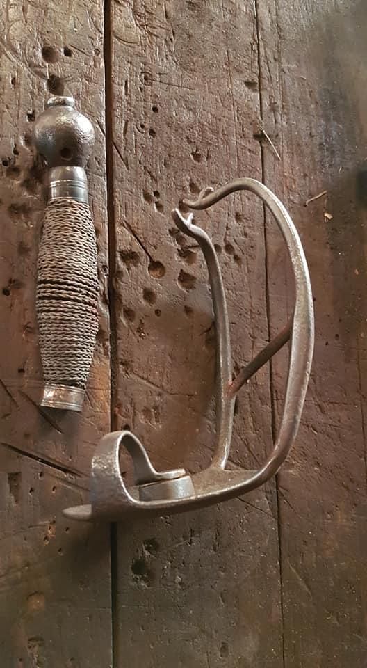 historique des épées wallonnes 54515111