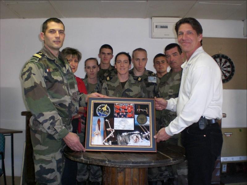 L'insigne de l'Escadron de Protection de Istres dans l'espace. Insign12